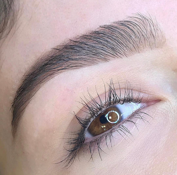brow shaping - San Antonio texas - beautyblogbyak - browsandlux by Thi