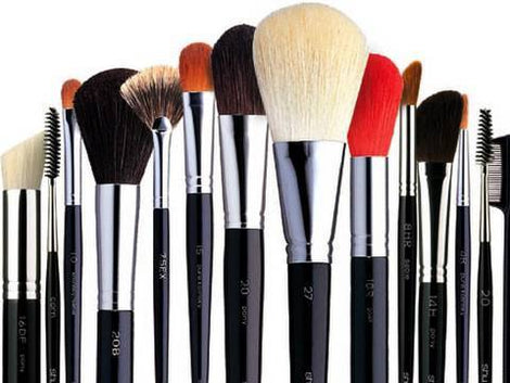 BRUSHES / HOLDERS / CLEANER
