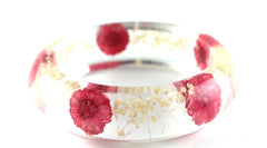 Pink Daisy and white Baby's breath resin bracelet