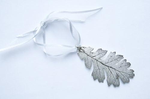 Real Oak leaf silver ornament - Arborvita Real leaf jewellery
