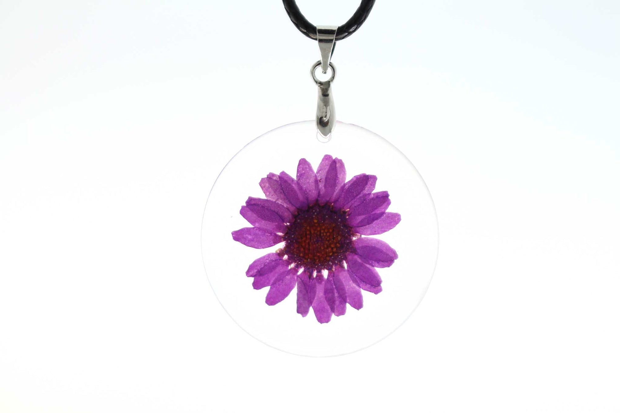 Real Daisy Flower Necklace In Purple - Arborvita