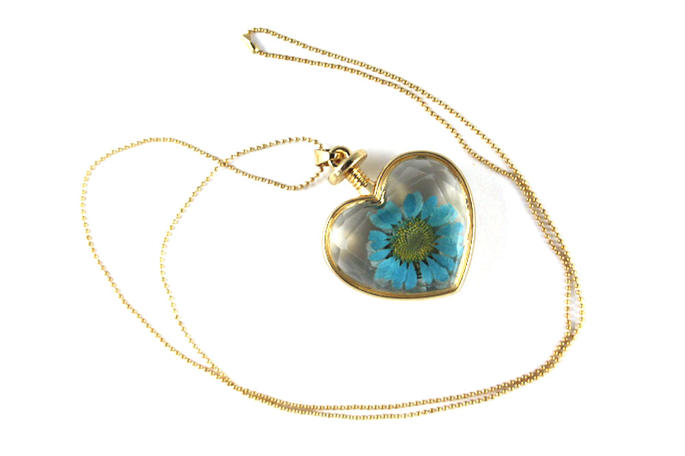 Real Oxeye Daisy resin necklace blue in gold - Arborvita Real leaf jewellery