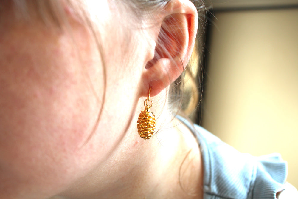 Real Pine cone gold earrings - Arborvita Real leaf jewellery