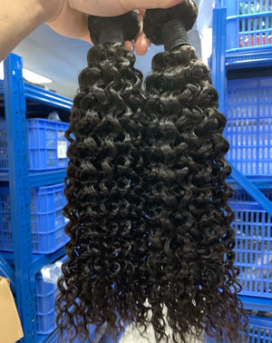 Brazilian Deep Wave Hair Bundles Weave 100% Human Natural Thick Remy Weaves