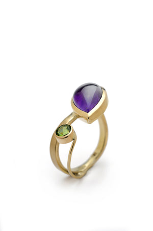 Amethyst Gap Ring in 18K
