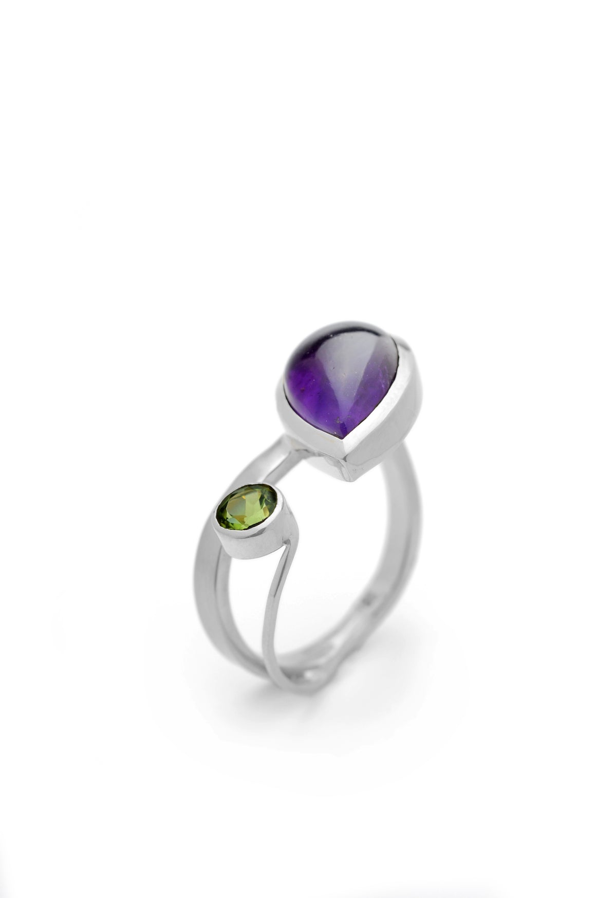 Amethyst Gap Ring in Silver