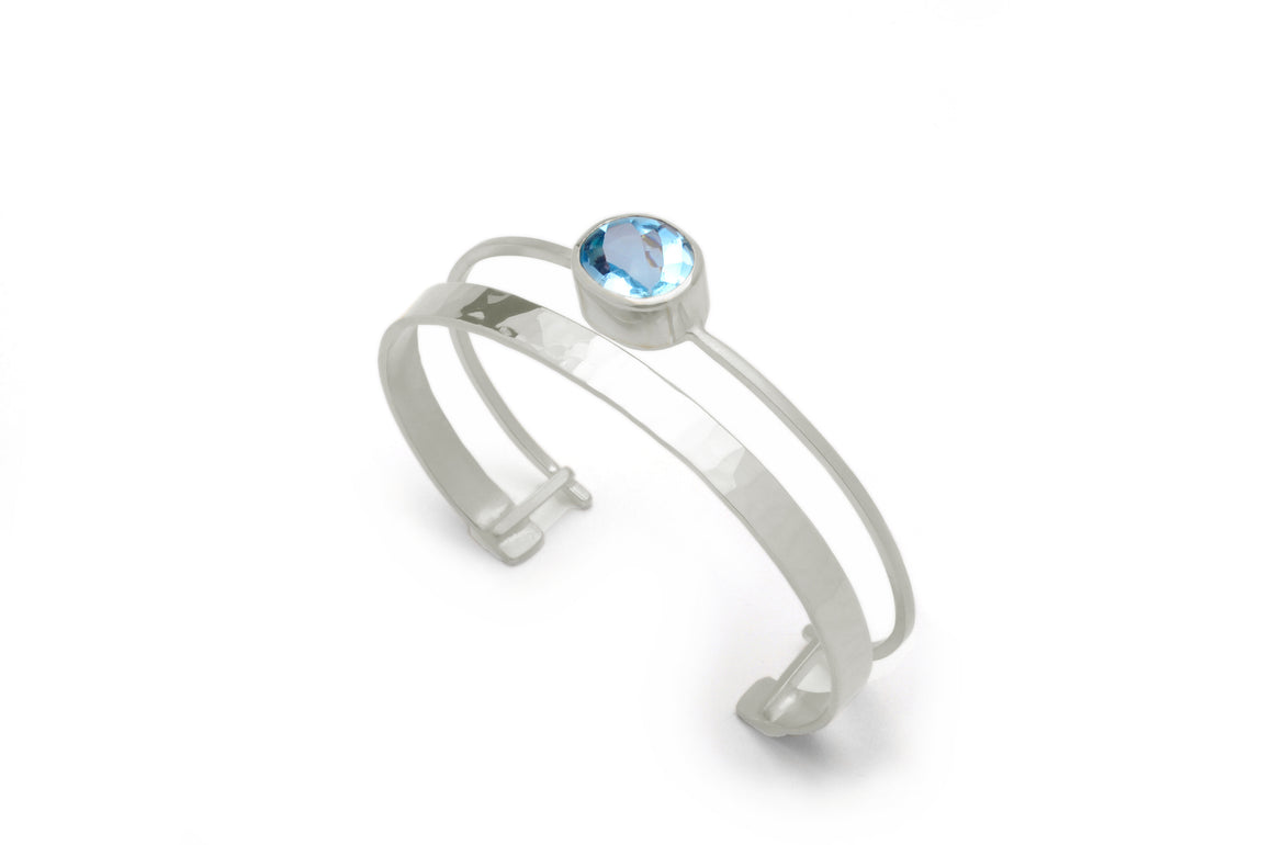 Waterway Cuff with Gem in Silver