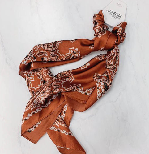 Rust Paisley Scrunchie Scarf