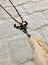 Bull and Lace Necklace Set