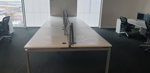MODERN CLUSTER OF 6 DESKS WITH SCREENS **WHITE TOPS/SILVER FRAME** Milton Keynes BULK DISCOUNTS AVAILABLE