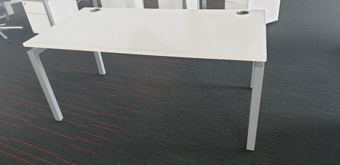 High quality single desk white top white framework - Milton Keynes