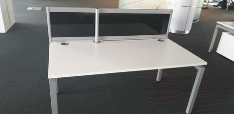 High quality single desk white top with screen - Milton Keynes