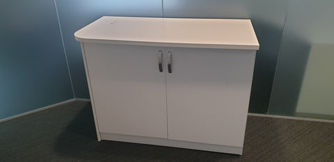 Cabinet with D ends with shelf - Milton Keynes