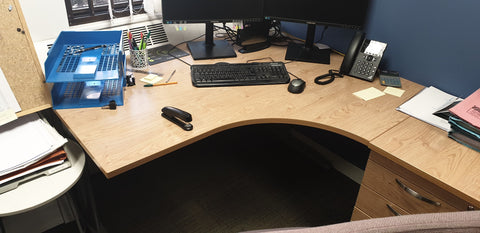 Right hand corner desk with oak finish Bedford