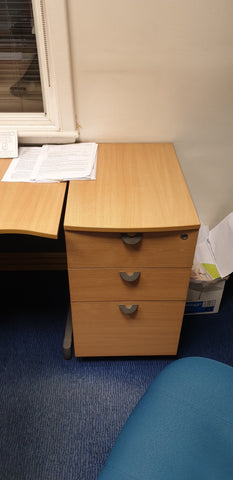 Desk high pedestal with 3 drawers