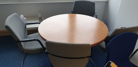 Cambridge Park circular meeting room table
