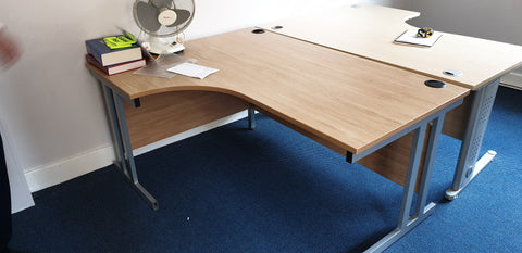 Left hand corner desk 1600W perfect for home or office