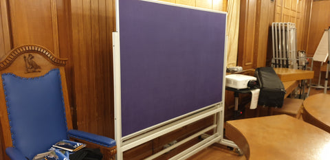 Mobile pin board purple **Screen** 4 Availble in purple and blue finishes