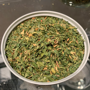 0.5 oz Alfalfa Leaves, Cut & Sifted