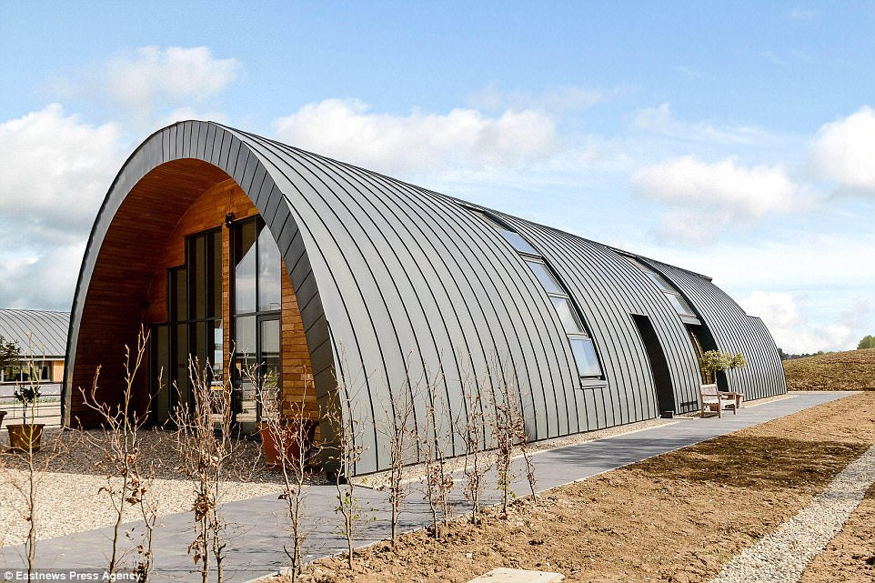 10 Hangar Homes Make Your Jaw Drop Zinc House