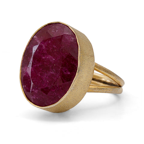 Indian Ruby 10kt Gold Ring