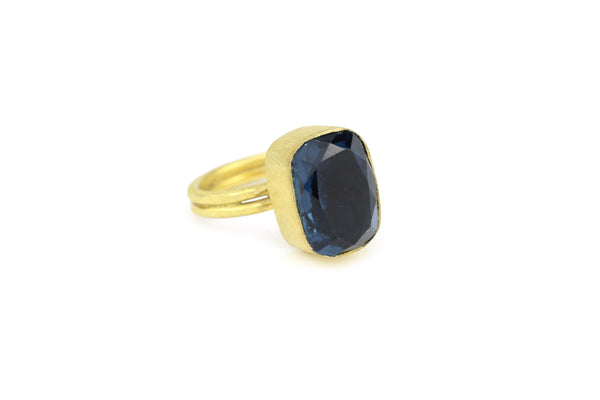 Blue Quartz Faceted Emerald Cut 10kt Gold Ring Round