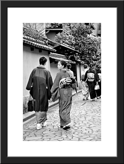 Kimono Walk - Black and White
