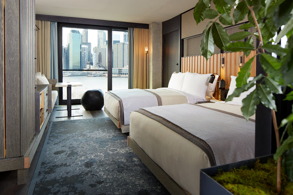 10 things you should do in your next hotel room