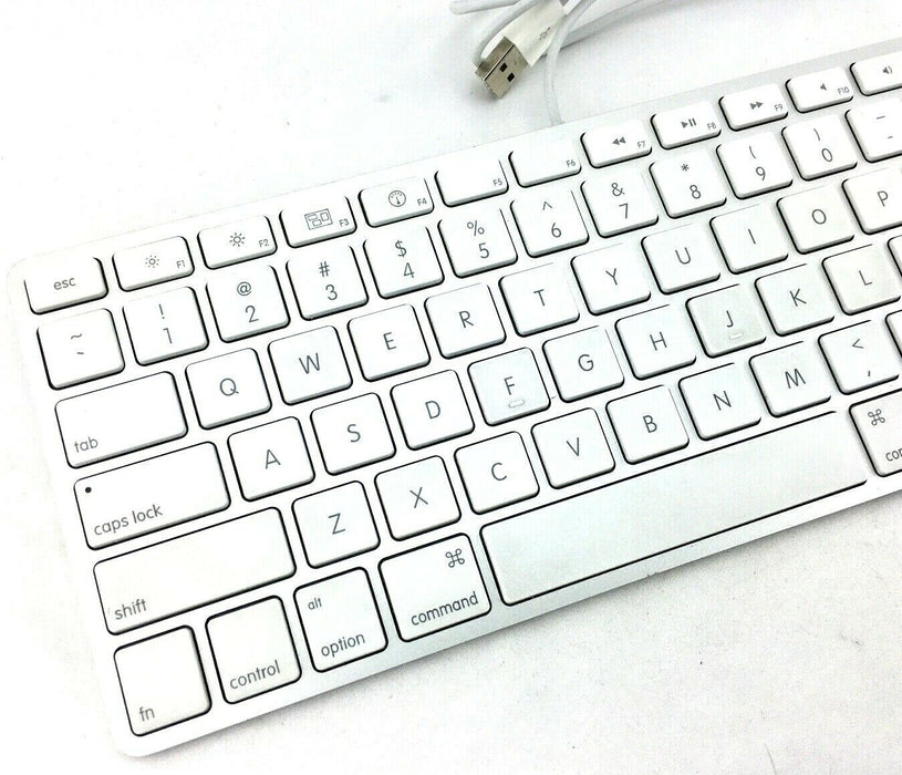 Apple A1242 Compact Wired USB Slim Keyboard MB110LL/A White Quiet Keys A Grade