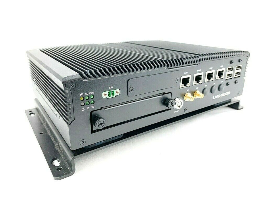 Lanner LVC-5000-B3 Industrial Computer Built-In PoE  SSD  i7