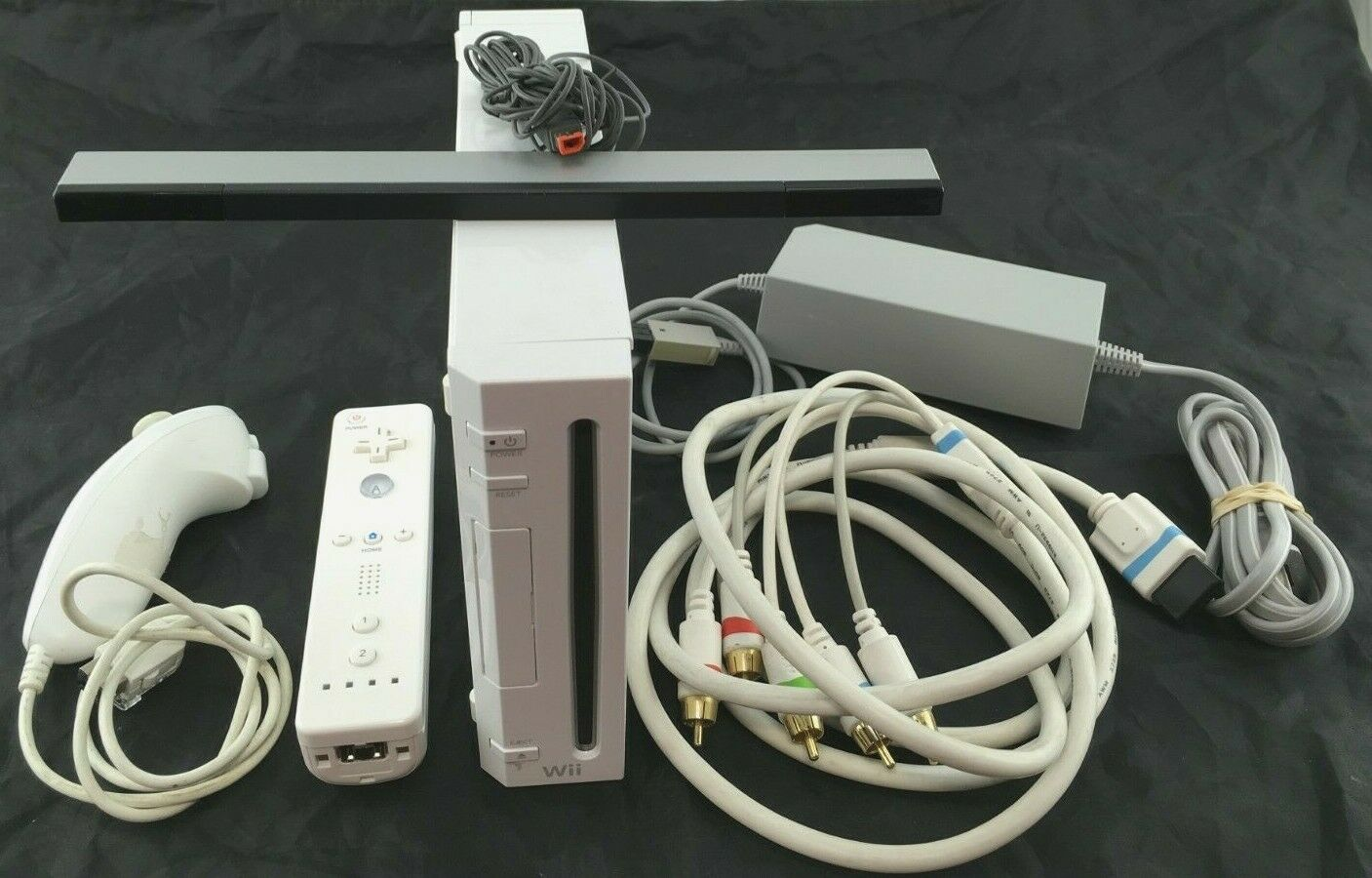 Nintendo Wii with Power, Component Cable, Sensor Bar, Wiimote, Nunchuk (RVL-001)