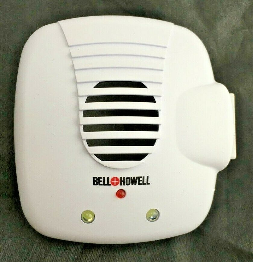 Bell and Howell SB-194 Direct Plug In Ultrasonic Pest Repeller w/ Outlet WHITE