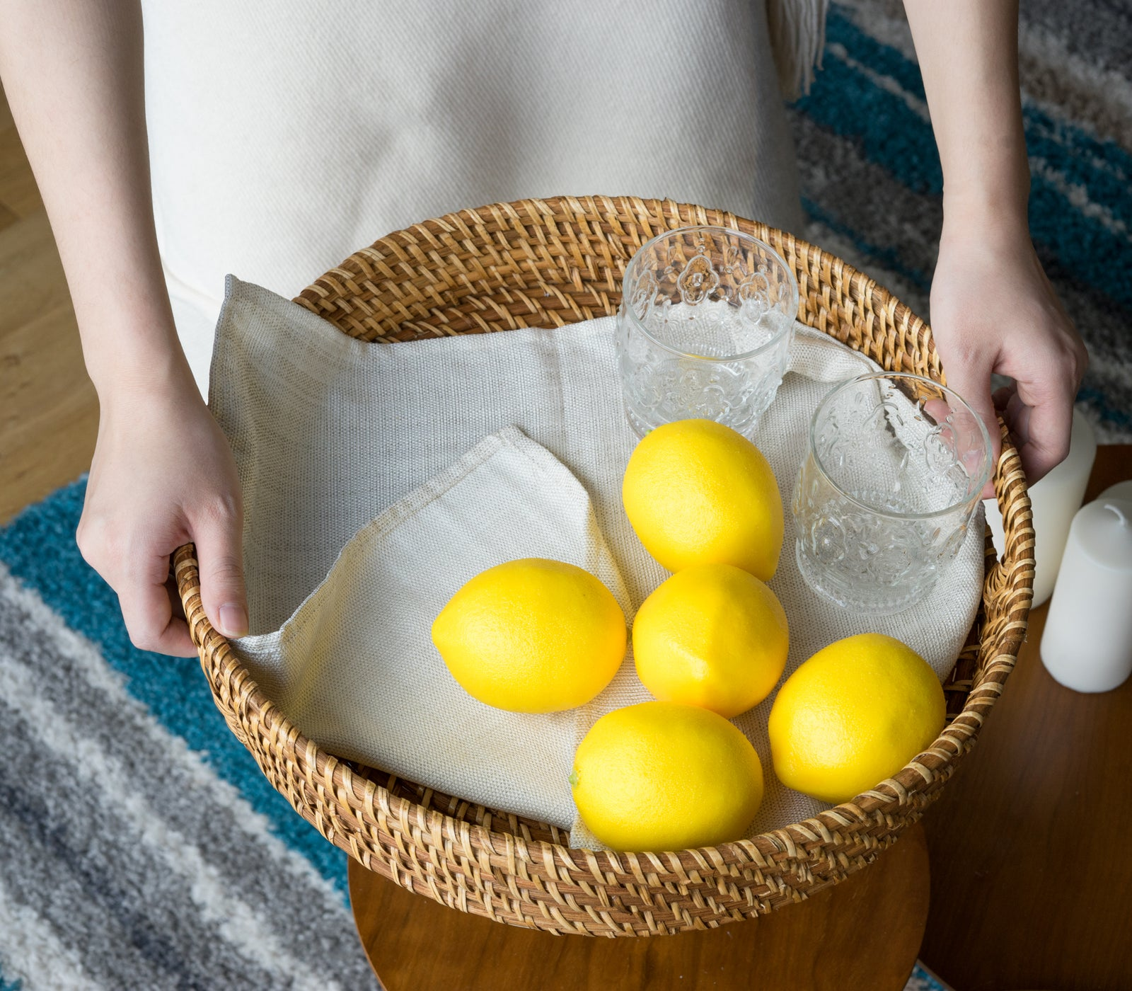Woven with sturdy material, Round Braided Tray With Handle