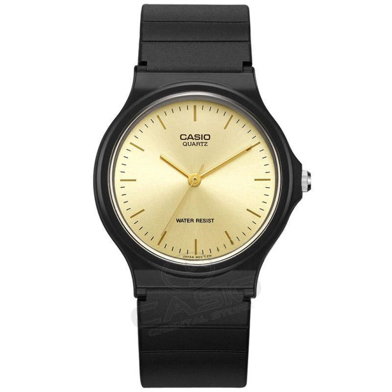 Old School Black And White Faced Casio Wristwatch! Mq-24-9E