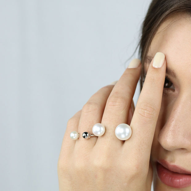 Mischa Single Pearl Ring