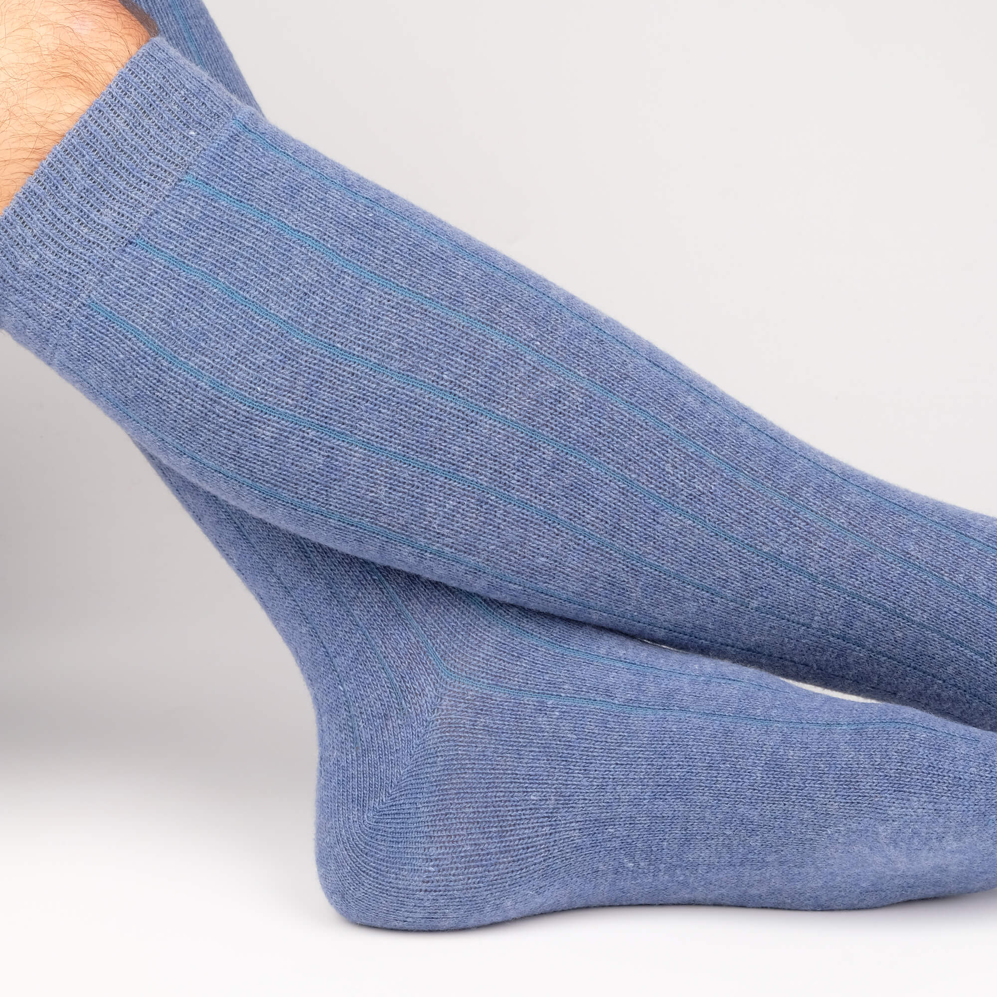 c6b85a411 Men s Cashmere Knee High Sock Blue - made in Italy⎪Etiquette Clothiers