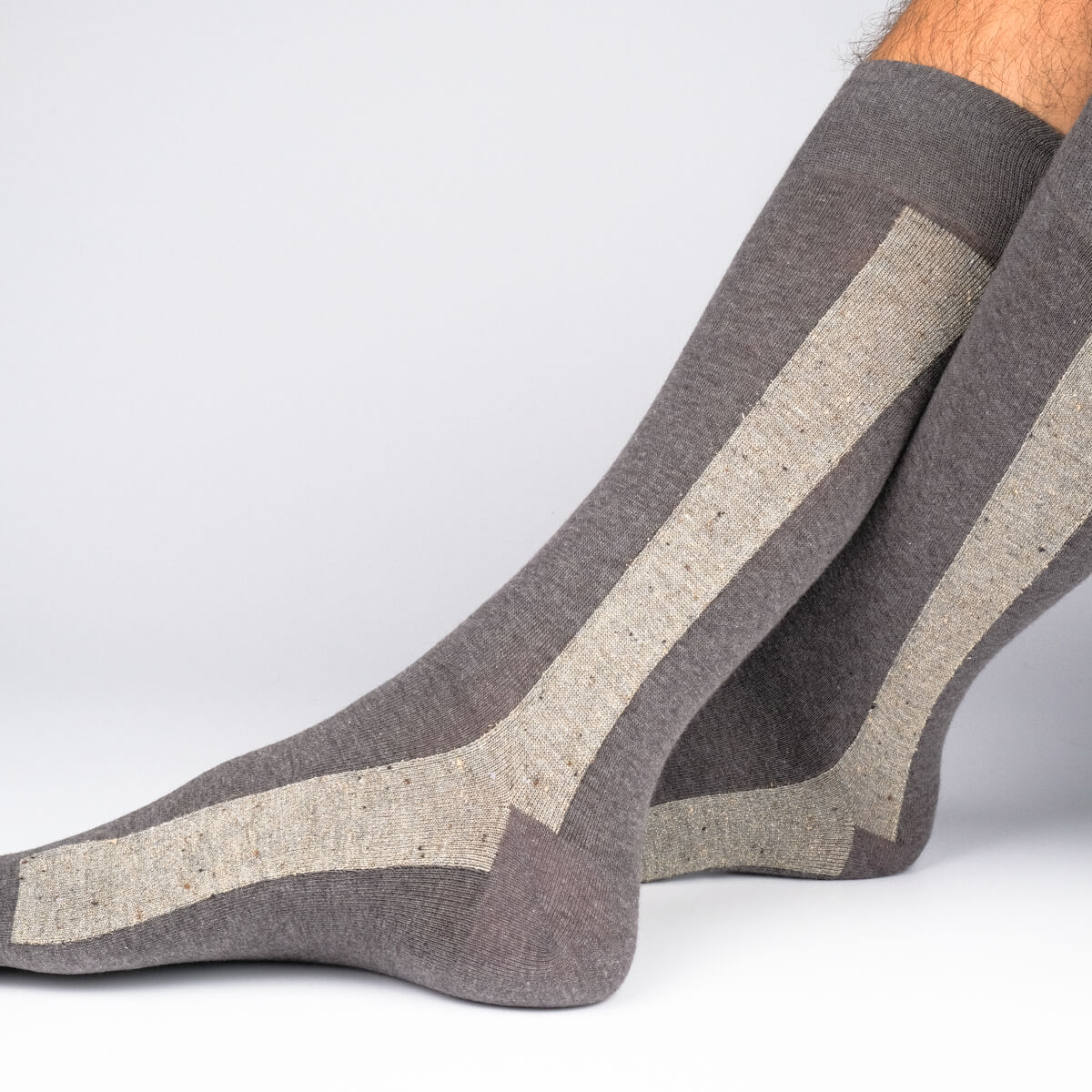 Mens Socks - Beat It Metallic Side Stripe Men's Socks - Dark Grey⎪Etiquette Clothiers