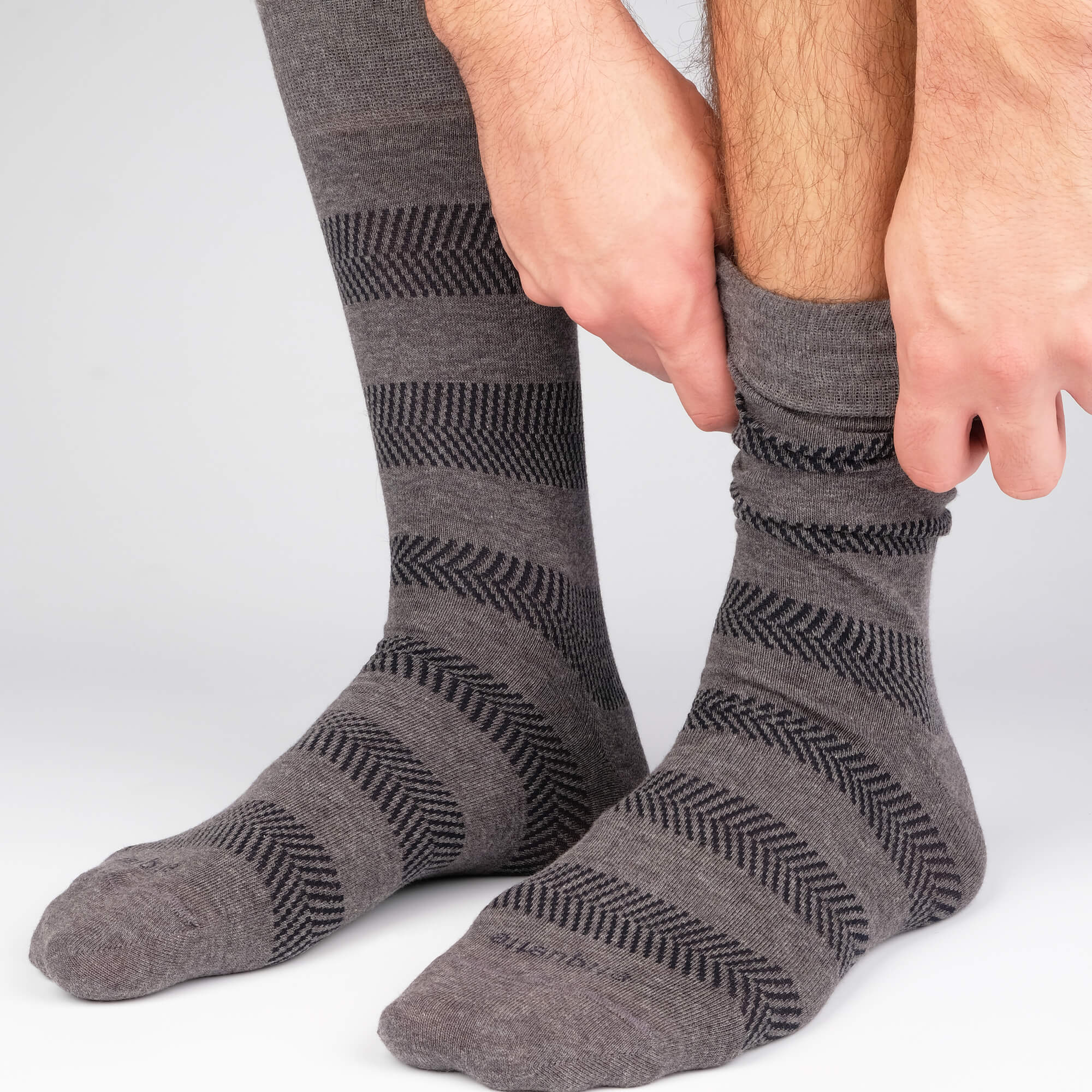Mens Socks - Herringbone Stripes - Dark Grey⎪Etiquette Clothiers