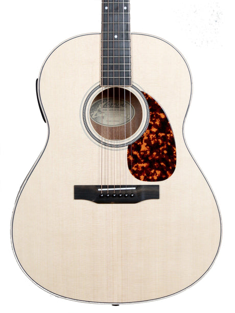 Larrivee L-03E Mahogany with Stage Pro Element