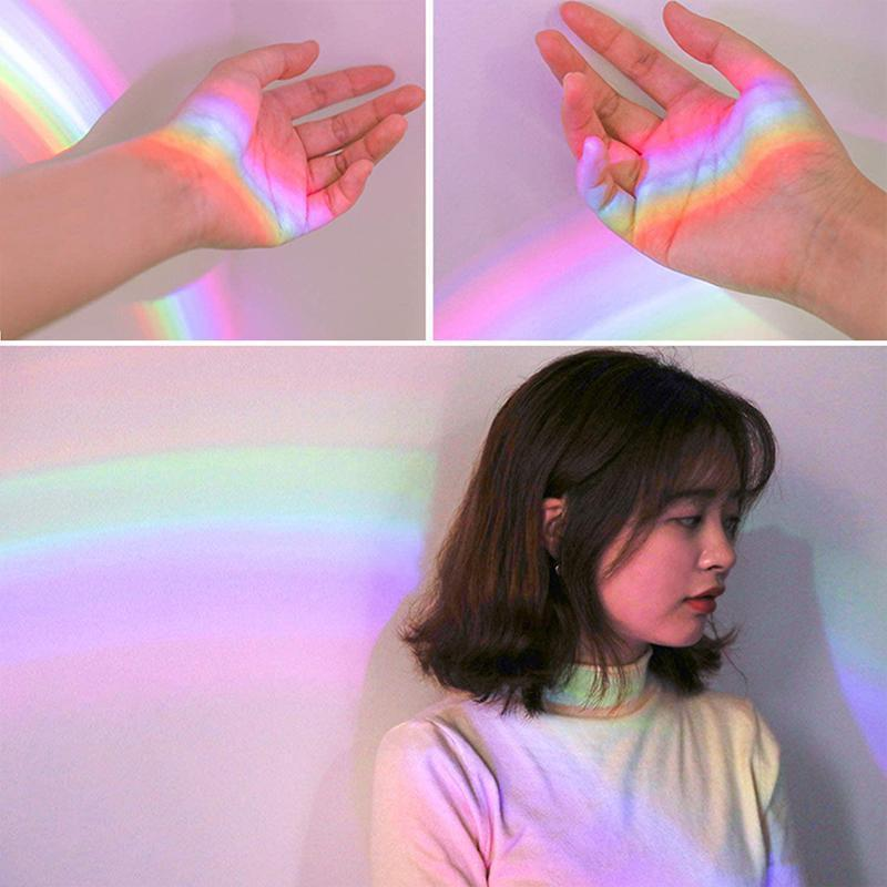 Shell-Shaped Rainbow Projector