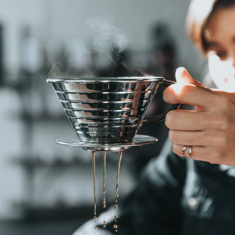 Designed with a flat-bottomed coffee bed, three small extraction holes, and a patented wave filter, the Kalita Wave dripper pulls a rich, evenly extracted cup.
