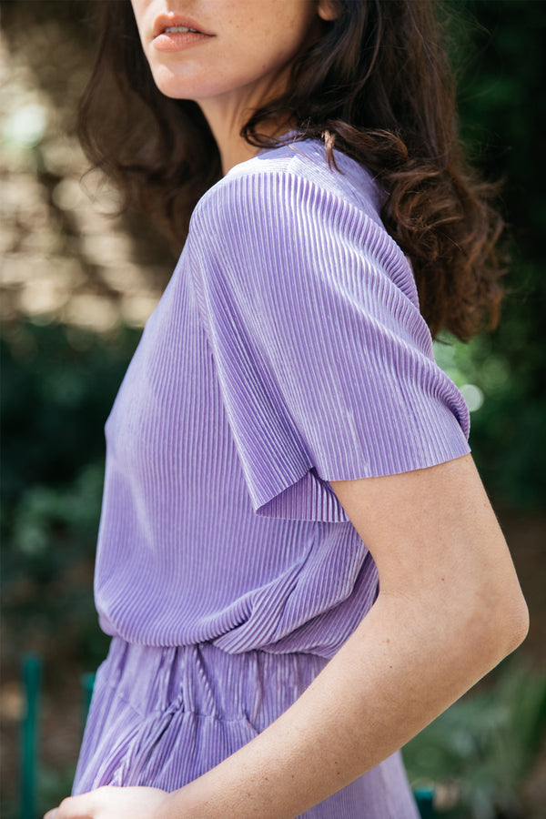 Bob pleated top