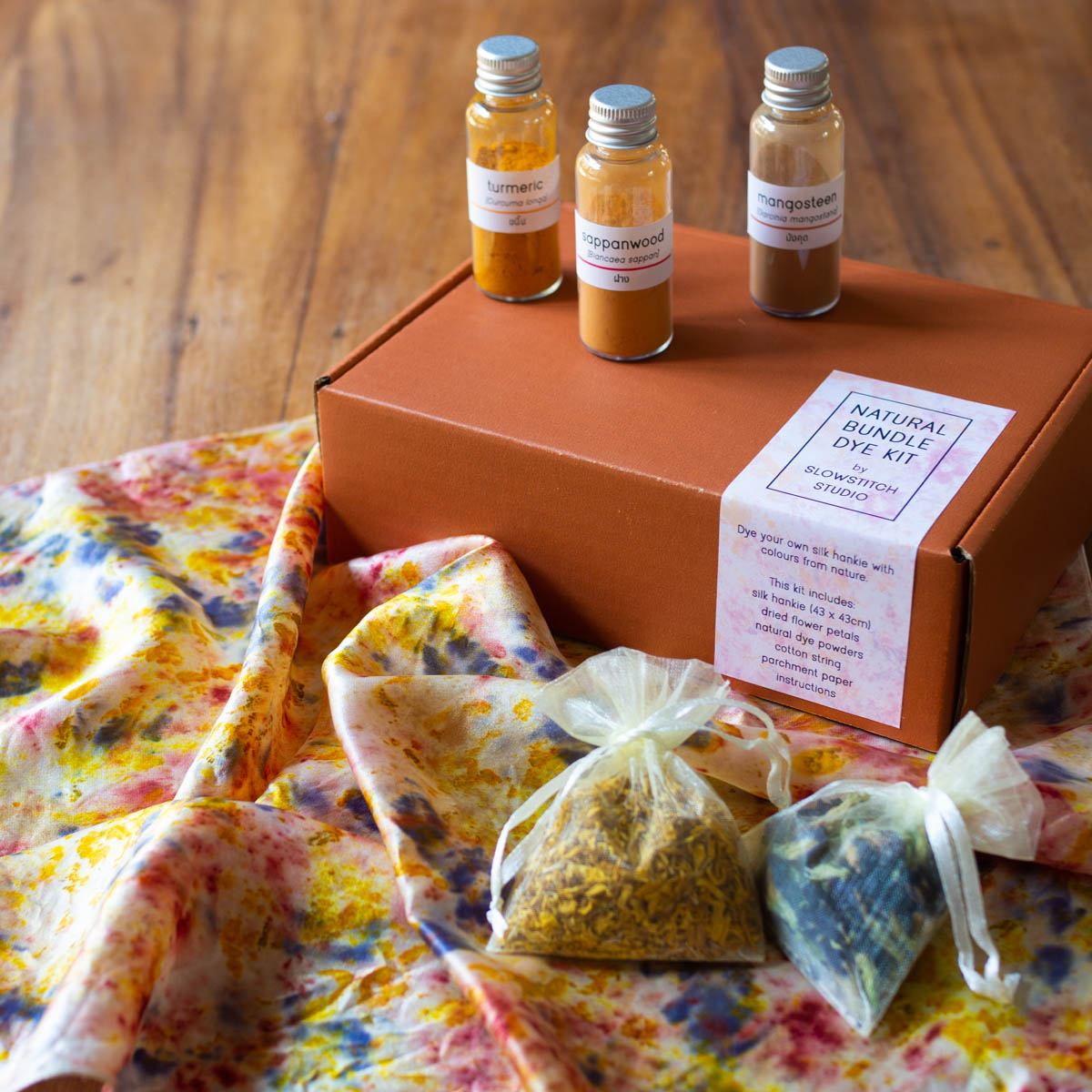 Natural Bundle Dyeing with Slowstitch Studio