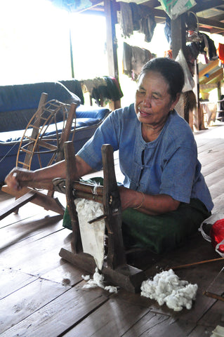 spinning cotton by hand