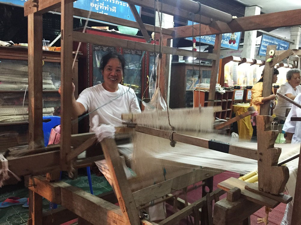 weaving cotton by hand