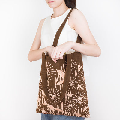 Embroidered Ebony Tote Bag - Daisy