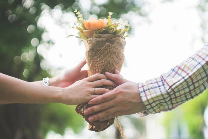 Giving flowers - the social norm