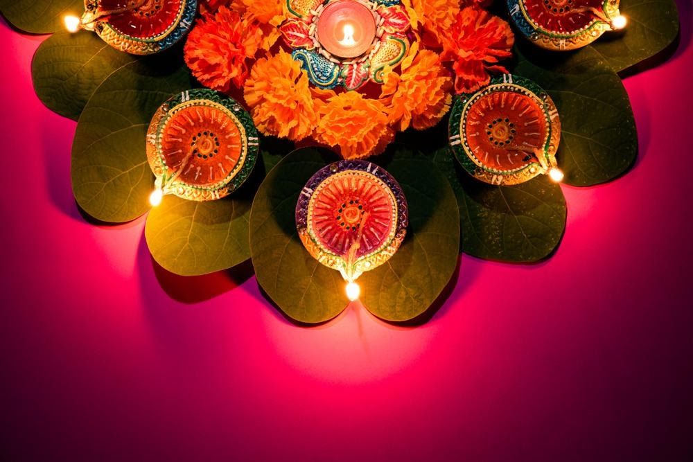Welcome Deepavali with Fresh Blooms
