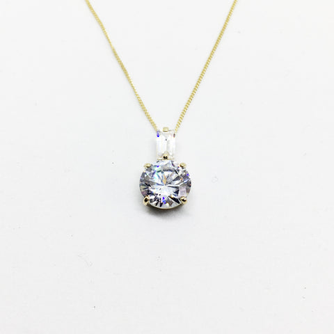 9CT GOLD CUBIC ZIRCONIA DROP PENDANT