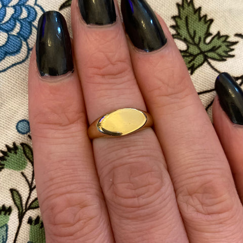 VINTAGE 9CT GOLD OVAL SIGNET RING
